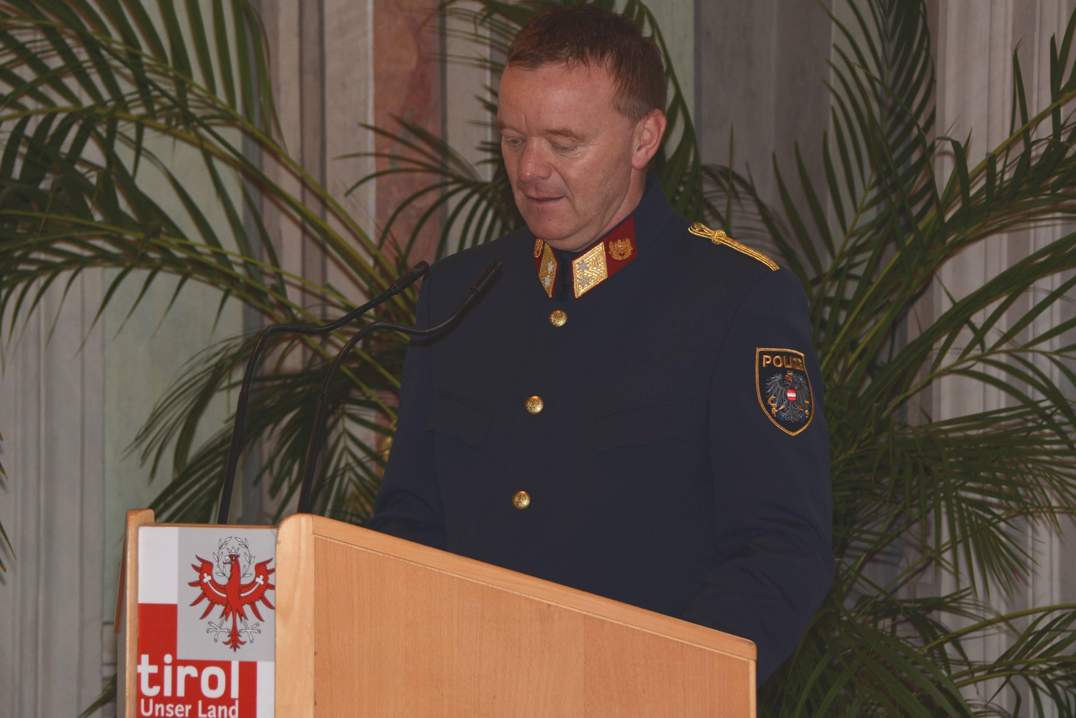Obstlt Manfred Dummer, Moderator und Leiter des Büro Öffentlichkeitsarbeit in der LPD führte durch das Programm. ©LPD Gruber
